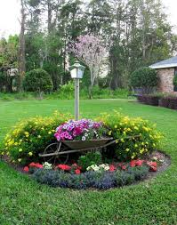 Gardening Ideas For Front Yard 181 Best Island And Berm Gardens Images On Pinterest Landscaping