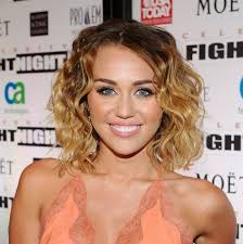 whats the name of the haircut miley cyrus usto have miley cyrus casual beachy wavy hairstyle hairstyles weekly