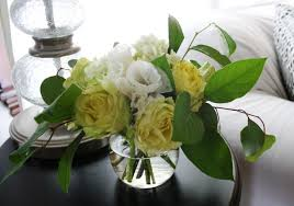 flower white bouquet nature simple yellow green flowers sweet
