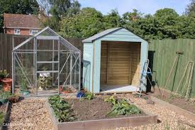 How To Make A Small Outdoor Shed by How Does Your Garden Grow Painting A Shed To Look Like A Beach Hut