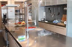 les cuisines en aluminium photos déco idées décoration de cuisine aluminium cuisine bois