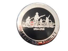 ww1 lest we forget rememberance lapel badge