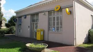 bureau de poste villeneuve d ascq lomme la poste se réorganise les élus réclament le maintien de la