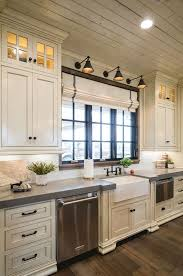 Pics Of White Kitchen Cabinets 25 Antique White Kitchen Cabinets Ideas That Your Mind Reverb