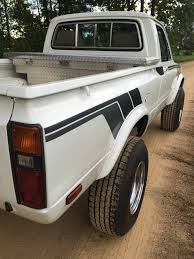 82 hilux sr5 build pirate4x4 com 4x4 and off road forum