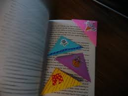 how to make an easy origami bookmark 3 steps