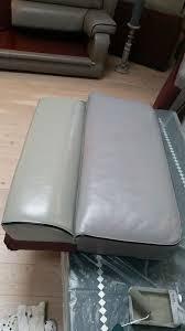 peindre canapé en tissu peinture pour canape en cuir fauteuil salon pendant newsindo co