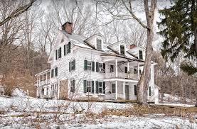 colonial farmhouse this decaying historic farmhouse in new york will remind you of a