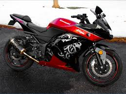 want to sell 2010 kawasaki ninja 250r red special edition