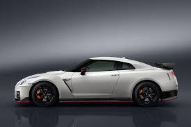 Nissan Gtr Horsepower - 2017 nissan gt r nismo commands 65 000 premium autoguide com news