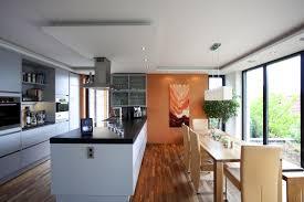 küche mit esstisch die offene küche mit esstisch ist ein beliebter treffpunkt für die