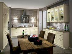 Antique White Kitchen Cabinets by Antique White Kitchen Cabinets Home Design Traditional Kitchen