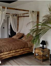 chambre en bambou lit baldaquin bambou but lit lit baldaquin awesome chambre avec lit
