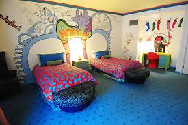 Dr Seuss Kids Room by Hotel Room Tour Dr Seuss Kids U0027 Suites At Portofino Bay Themed