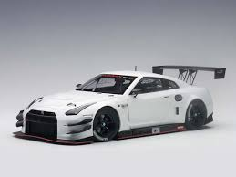 nissan gtr model car 1 18 autoart nissan gt r nismo gt3 racing model car 81576