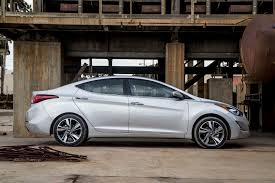 hyundai elantra 2013 vs 2014 2014 hyundai elantra limited has tons of features thornton road