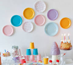 Photo Backdrops For Parties 11 Simple And Unique Paper Plate Birthday Party Backdrops Disney