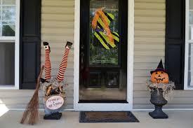 outdoor halloween witch decorations diy halloween door decorations
