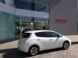 nissan leaf range 2013 survey 89 percent of respondents desire electric vehicle range of