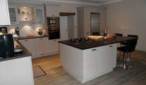 cuisine interiors cuisine avec ilot interiors design modele de central newsindo co