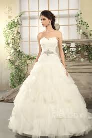 chapel wedding dresses 289 best gown wedding dress images on