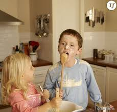 cuisine famille 10 choses qui arrivent toujours quand on cuisine en famille