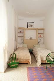 Small Bedroom Twin Beds Best 25 Narrow Bedroom Ideas On Pinterest Narrow Bedroom Ideas