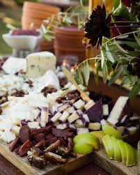 6 steps for curating a delicious display of cheese and charcuterie