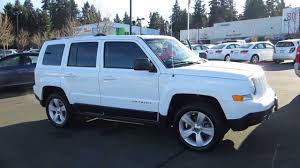 white jeep patriot 2008 2011 jeep patriot stone white stock m1407771 walk around