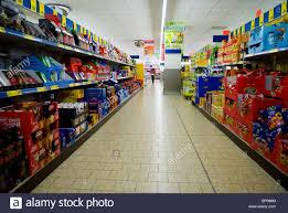 supermarket isle stock photos u0026 supermarket isle stock images alamy