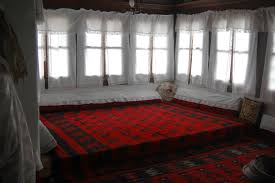 file albanian traditional living room jpg wikimedia commons