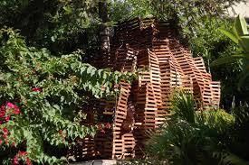 cool tree houses images about girls tree house on pinterest kid houses treehouse