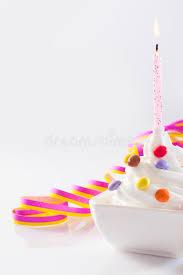 anniversaire cuisine bougie d anniversaire avec la glace image stock image du