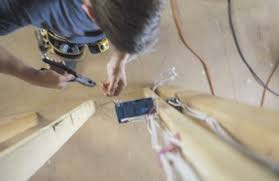 what is the difference between a construction electrician u0026 a