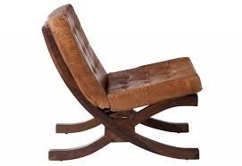 siege relax siège relax en cuir cognac et piètement bois 51x86x78cm j line by j