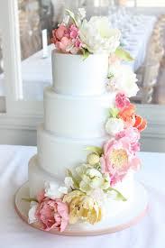wedding cake flower vintage inspired wedding flower cake pretty pink froufrou le bleu