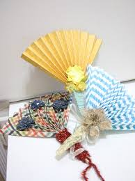 how to make a paper fan how to make a paper fan with a clothes pin snapguide