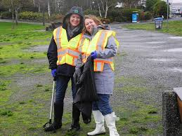 tugo employees volunteer during employee volunteer week