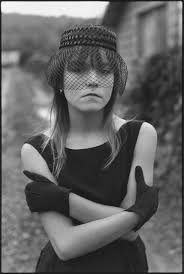 working at spirit halloween mary ellen mark tributes pour in for the celebrated photographer