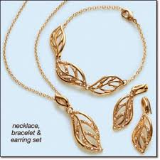 necklace gift sets images Avon jewelry glimmering leaves embellished 3 piece gift set jpg