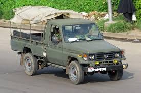 land cruiser pickup file bangladesh army toyota land cruiser 70 pickup jpg wikimedia