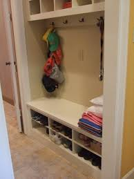 Hidden Storage Shoe Bench I Could Do This With Our Entryway Make The Bench Into Shoe Rack