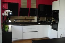 cuisine noir et blanc laqué cuisine blanc et noir cool plan de travail cuisine blanc