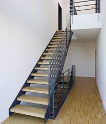 treppen stahl holz innentreppe stahltreppe mit holzstufen buche treppe stahl holz