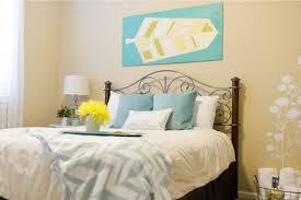 bedroom makeover guest bedroom makeover for just 200 hey let u0027s make stuff