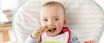 bimbo 13 mesi alimentazione quando un bambino pu祺 mangiare tutto pianetamamma it