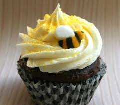 bumble bee cupcakes bumble bee cupcake kit for 24 cupcakes sweet estelle s baking supply