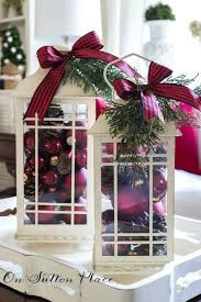 Christmas Decorations Outdoor Lanterns by Best 25 Decorating Lanterns For Christmas Ideas On Pinterest