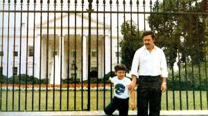 Pablo Escobar Memes - pablo escobar in front of the white house business insider