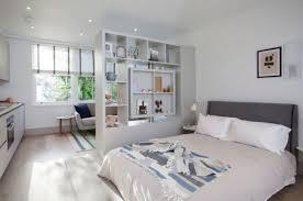 amenager chambre dans salon aménagement et décoration studio astuces et idées en photos